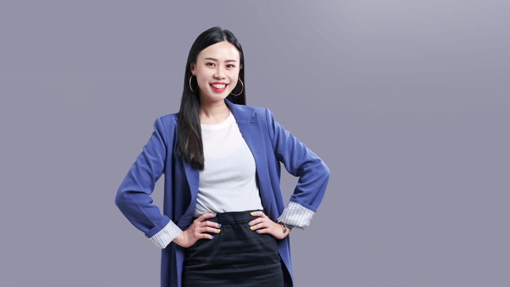 【顧問專訪】從哭著寫報告、到成為備受青睞的資深顧問:「讓我走到這裡的不是台大學歷,而是學習力。」-資深公關顧問 楊筑淇 (Kiki Yang)